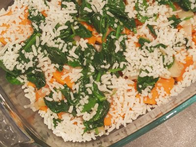 Ovenschotel van kip, zoete aardappel en spinazie