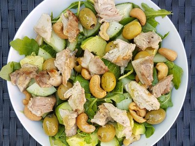 Groene salade met kipdijfilet
